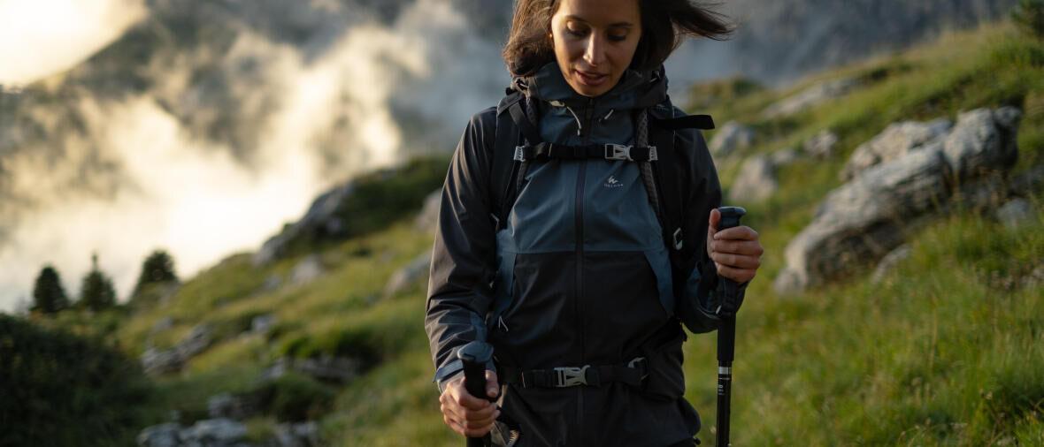 woman hiking jacket quechua