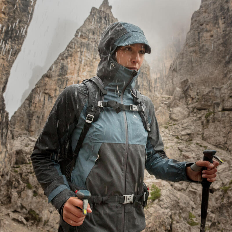 How to choose a waterproof hiking jacket - title