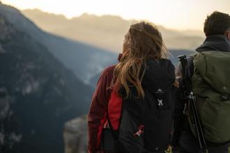Hur justerar man sin vandringsryggsäck?