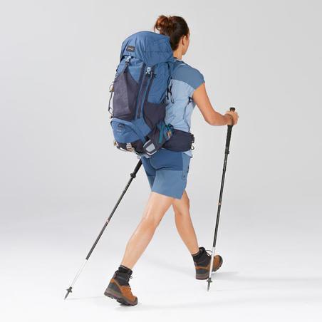 Celana Pendek Trekking Gunung Wanita TREK 500 - Biru