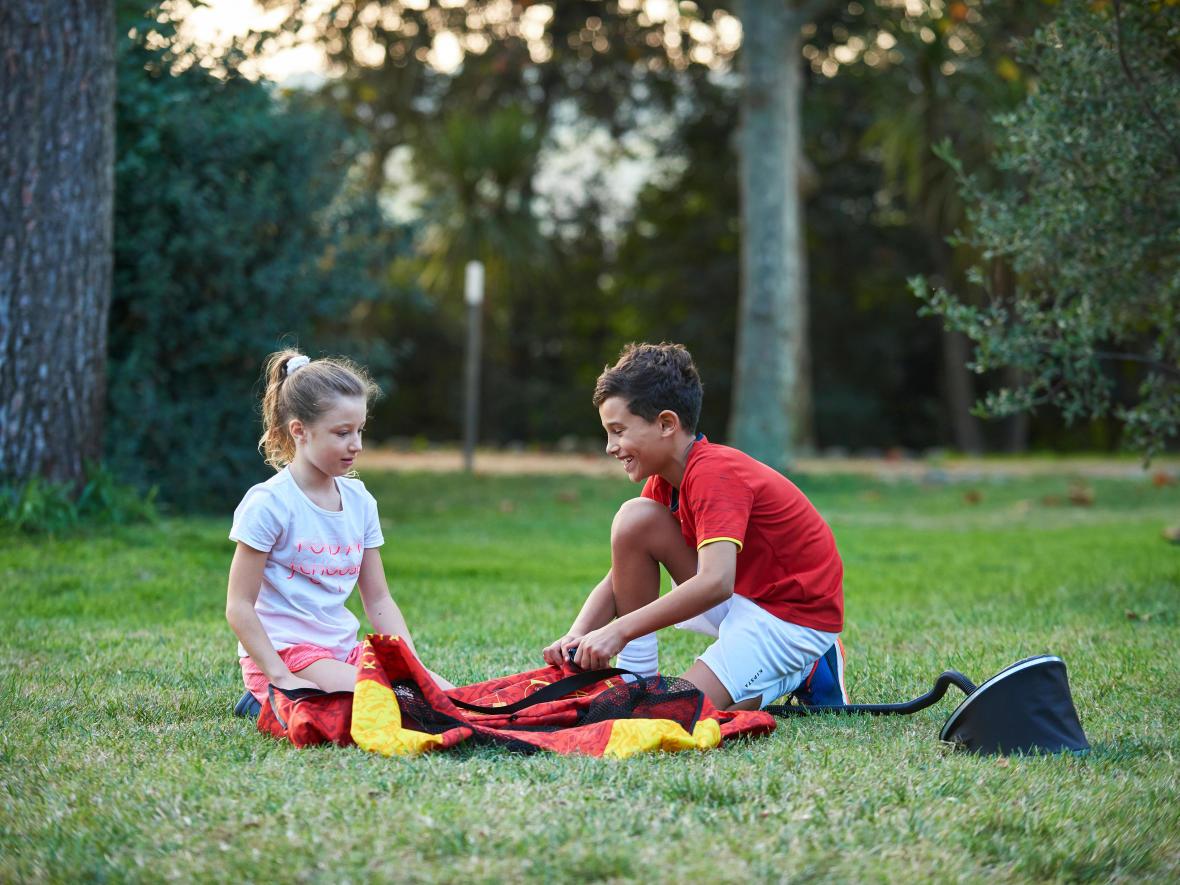 Foot à la maison avec les enfants