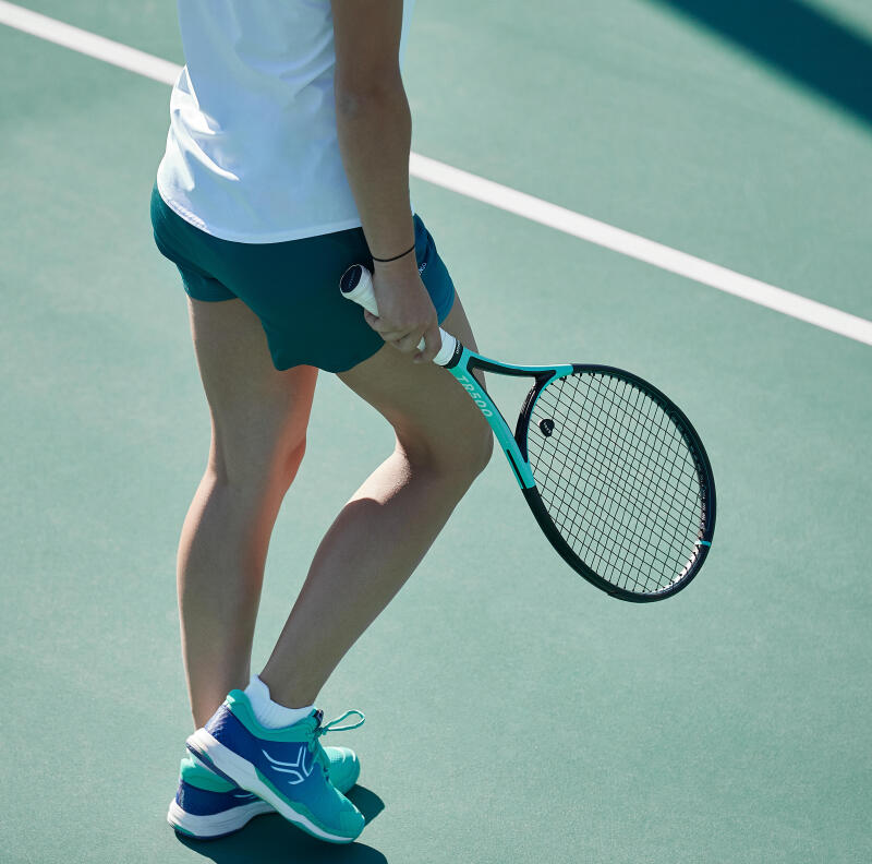 zoom on a tennis racquet