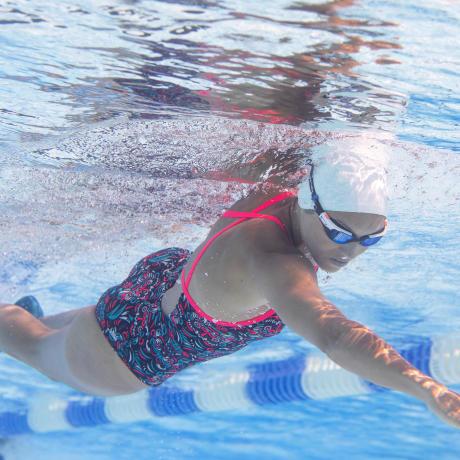 Quelles nages pour vos poignées d'amour ?