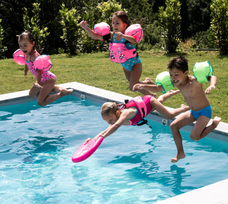 Bien équiper les enfants pour l'éveil et les jeux aquatiques