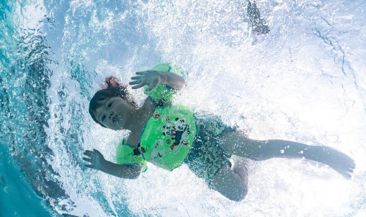 Comment accompagner mon enfant dans son éveil aquatique ?