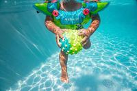 Petit ballon d'éveil aquatique vert et picots jaunes