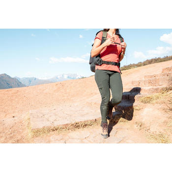 女款健行強化及多口袋緊身褲Travel 500-卡其色