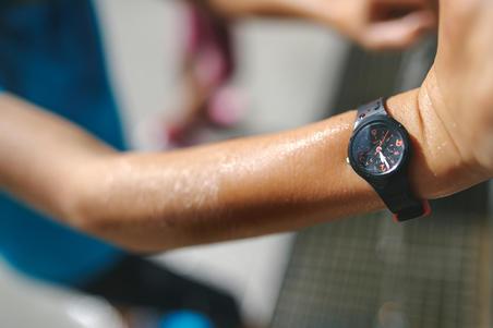 שעון ספורט אנאלוגי דגם A300S לילדים - שחור