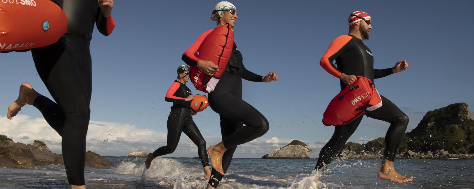 Equipement de nage en natation nage en eau libre (combinaisons, bouée...)