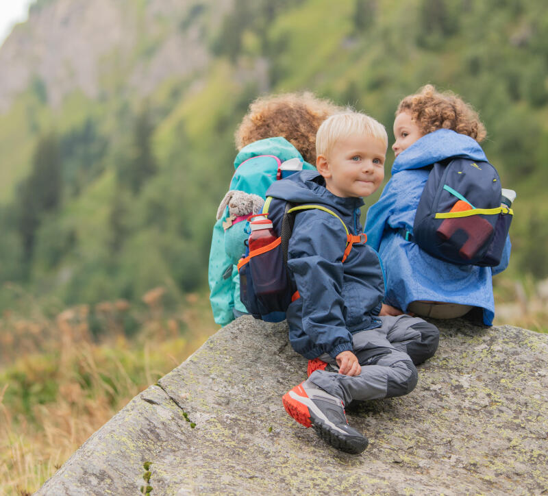 colouring-children-animals-mountain