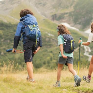 Quoi prendre dans son sac à dos de randonnée avec un pré-ado - titre