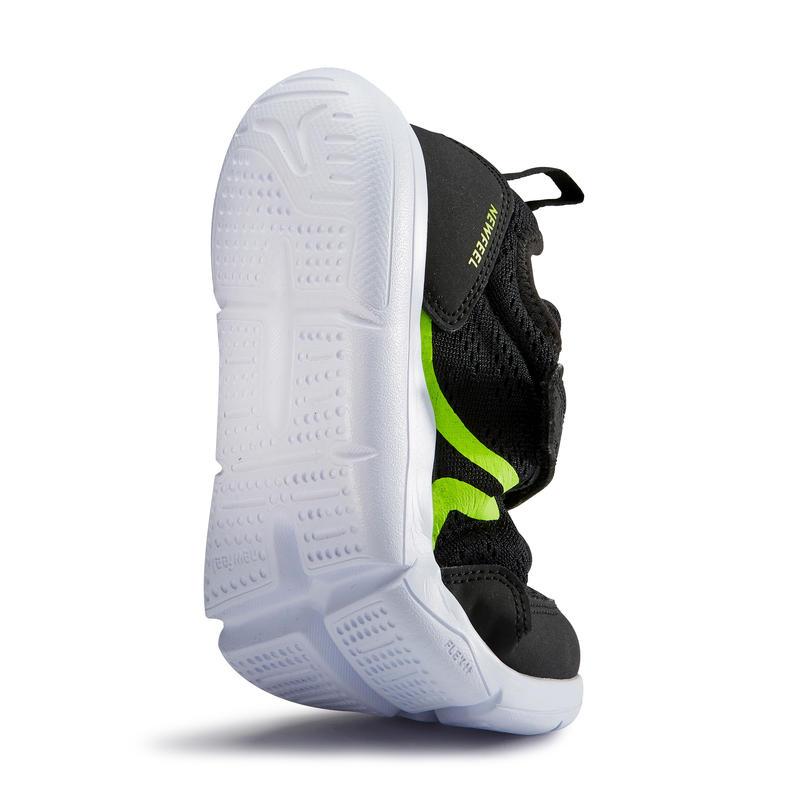 รองเท้าเด็กสำหรับใส่เดินรุ่น Actiwalk Super-Light (สีดำ/เขียว)
