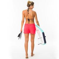 Boardshort surf femme TINI CORAIL avec ceinture élastiquée et cordon de serrage