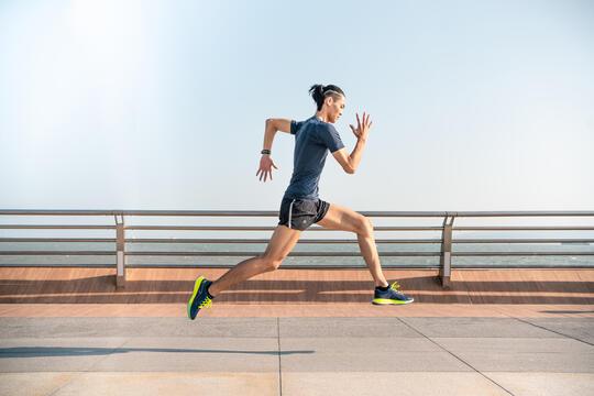 跑步 | 挑戰初全馬,如何配速、補給與訓練?