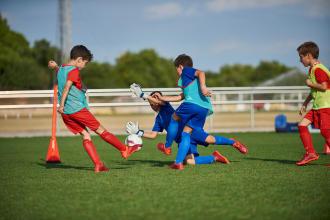 SPÉCIAL ENFANT: L'INTÉRÊT DE JOUER AU FOOTBALL