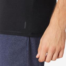 男款修身剪裁V領皮拉提斯與溫和健身運動T恤500 - 黑色