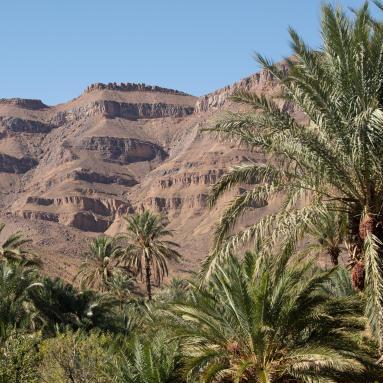 Trek dans le désert de montagne au Sahara Maroc