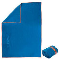 Toalha de natação de microfibras azul tamanho XL 110 x 175 cm