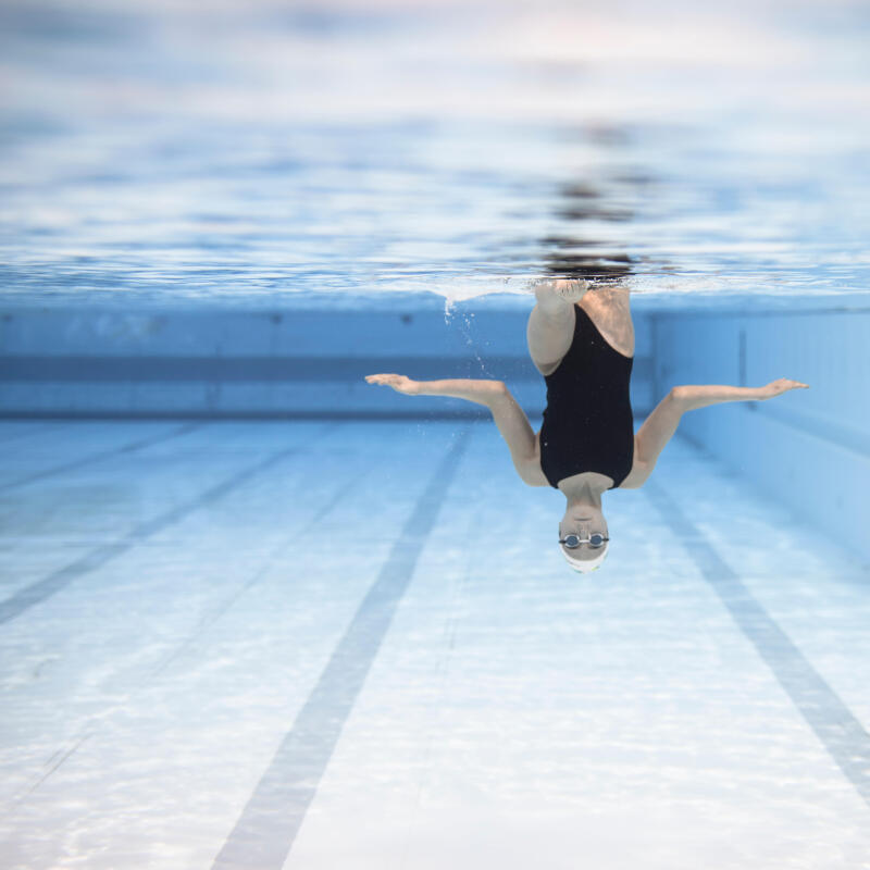 Lalie Chassaigne upside down sculling