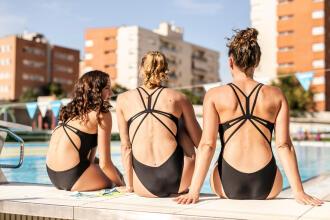 Le maillot en natation synchro : qu'est-ce qu'il a de différent ?