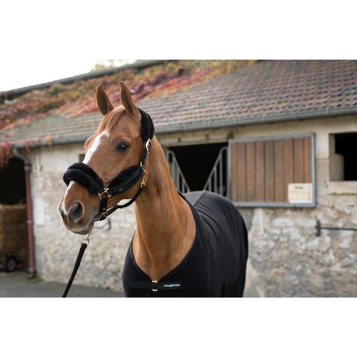 Halster voor paard met imitatie schapenvacht zwart.