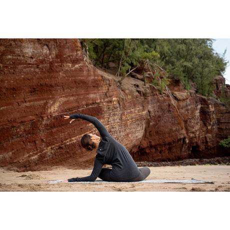 seamless longsleeved gentle yoga tshirt  grey  domyos