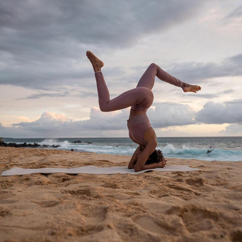 Come scegliere la tenuta per lo yoga dinamico | DECATHLON