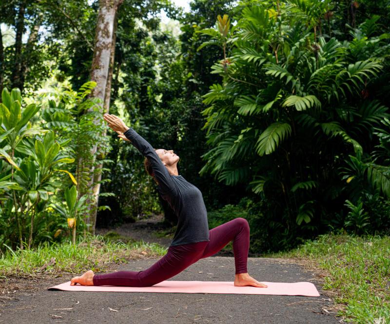 5 reasons to begin hiking-yoga - title