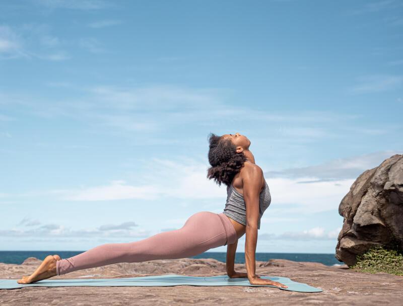yoga salutation au soleil header