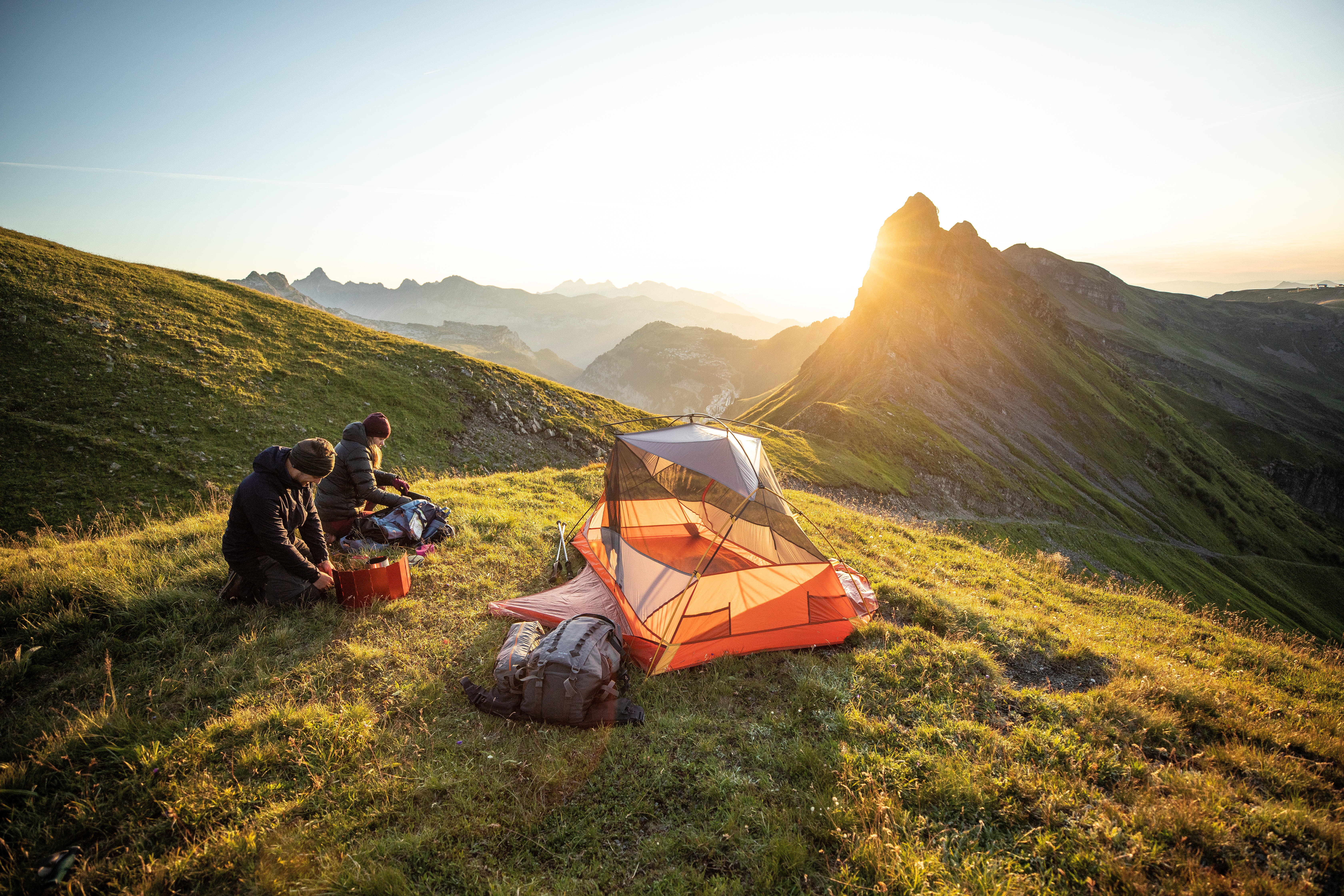 LIGHTWEIGHT BACKPACKING TENT | For Your Back to Basics Camping Experience