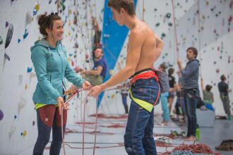 belay system for indoor climbing
