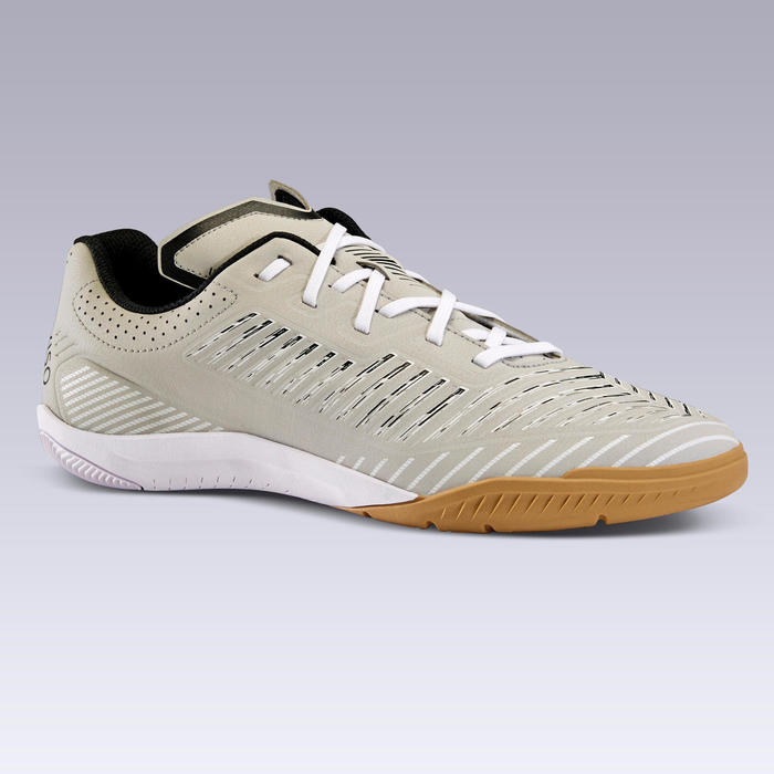 石地足球鞋Ginka 500-淡灰色