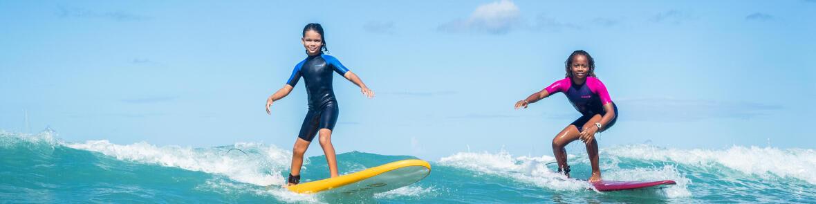 Hoe kies ik een anti-uv t-shirt voor het surfen?