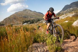 Så väljer du el-mountainbike / eMTB - Decathlon Magazine
