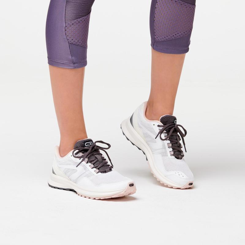 รองเท้าผู้หญิงสำหรับใส่วิ่งจ็อกกิ้งรุ่น ACTIVE GRIP (สีขาว/ชมพู)
