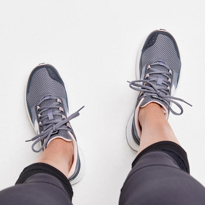 Laufschuhe RunActive Grip Damen grau/rosa