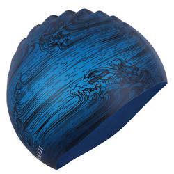SWIMMING CAP SILICONE 500 PRINT - SEA BLUE