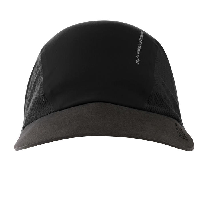 Lichte modulaire trailpet met nekbeschermer zwart