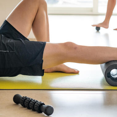 HOW TO USE THE MASSAGE ROLLERS, BALLS AND STICKS ?