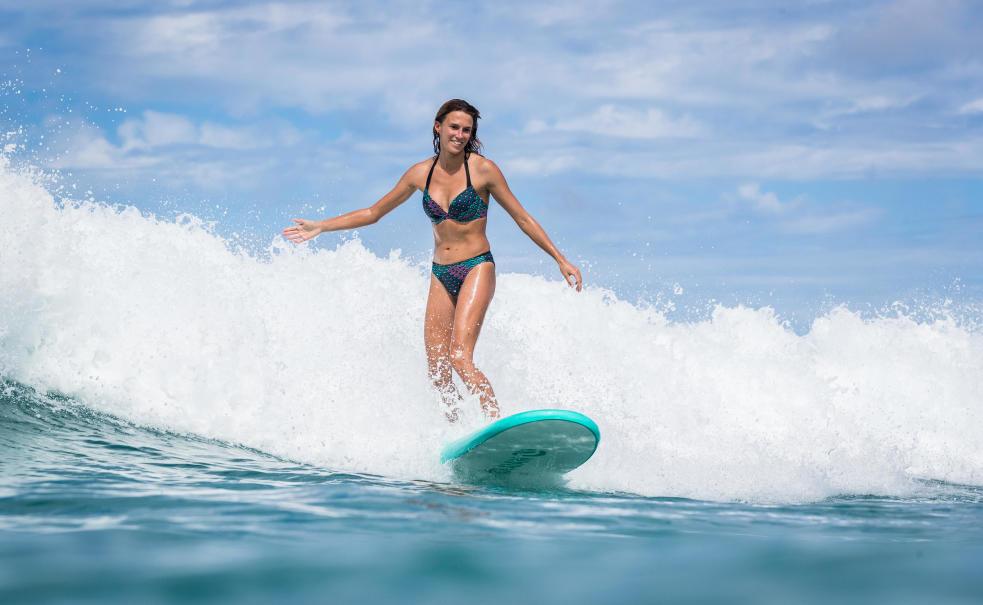 Olaian-Surfen-op-schuim.jpg