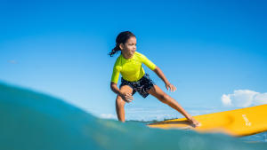 vêtements de protection solaire pour les enfants à la plage