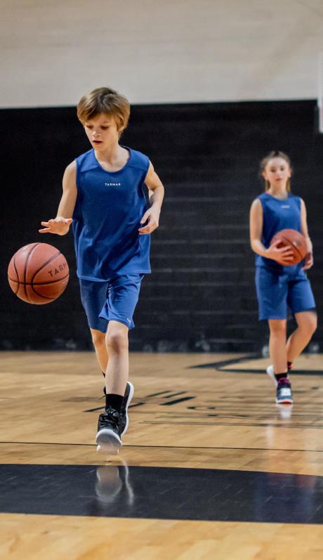 exercices-dribble-ballon-basketball-enfant-débutant