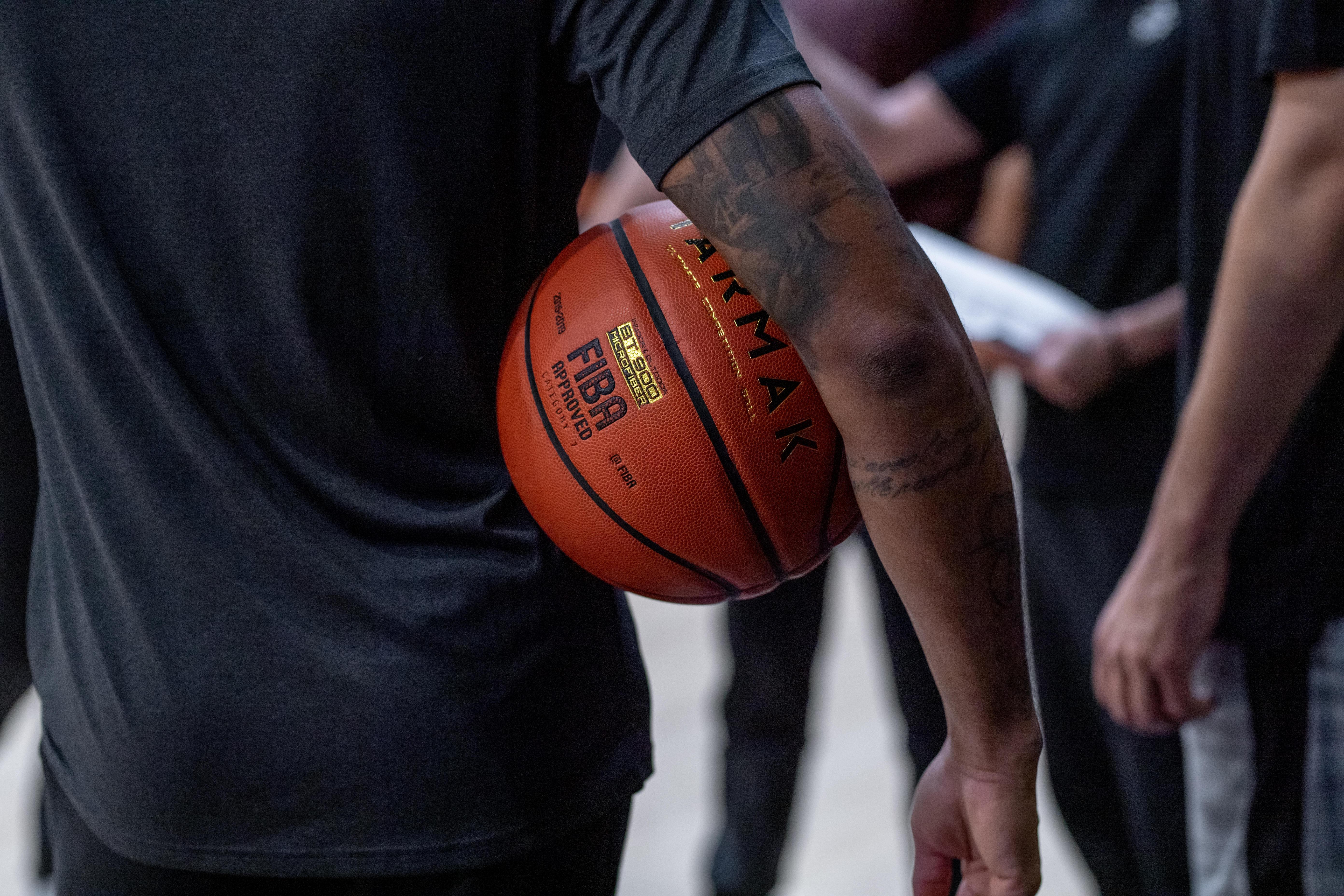 Wie finde ich den passenden Basketball?