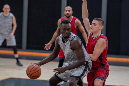 Short de basketball réversible SH500R – Hommes