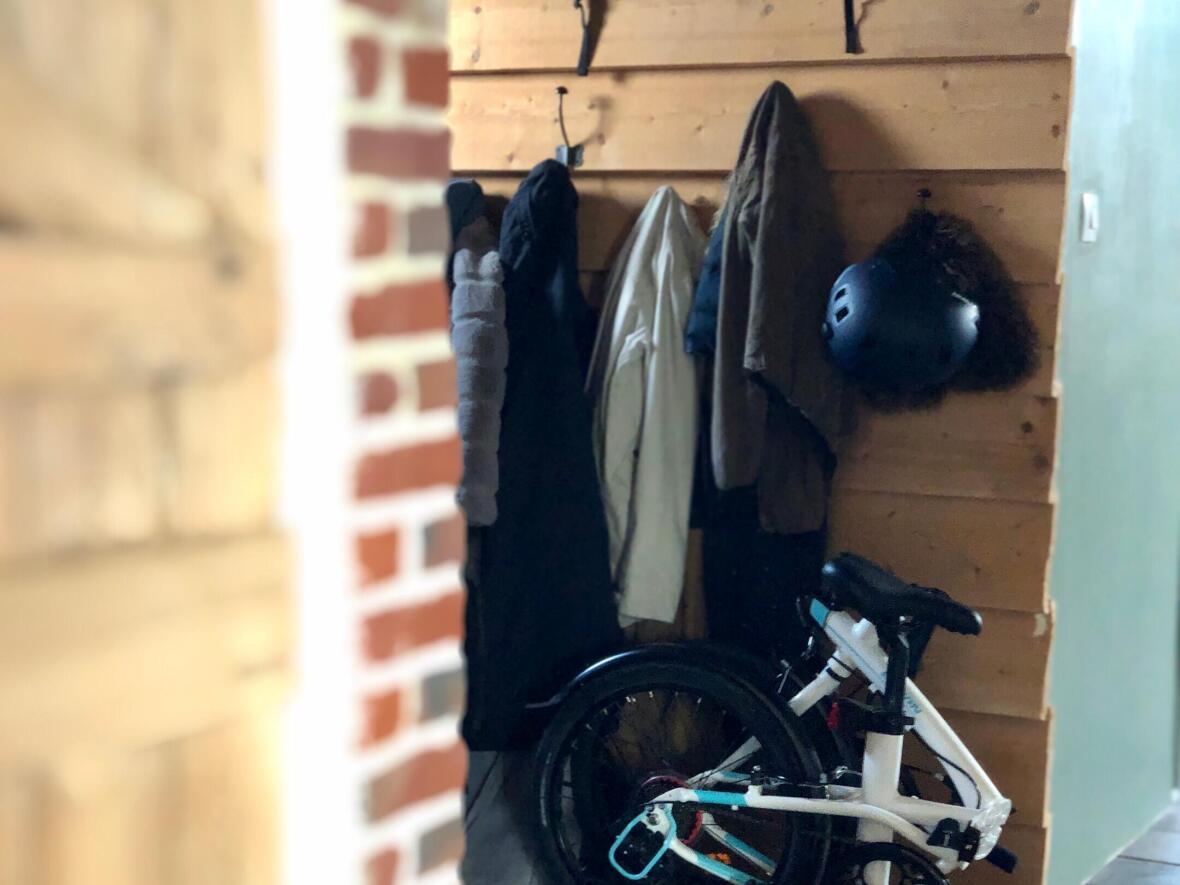 vélo-pliant-tilt-rangement-a-la-maison-appartement