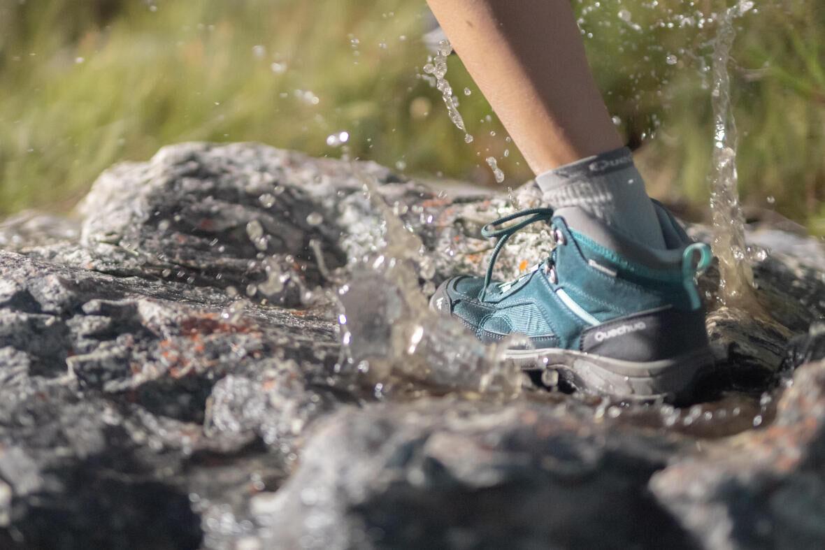 Calçado de trekking impermeável