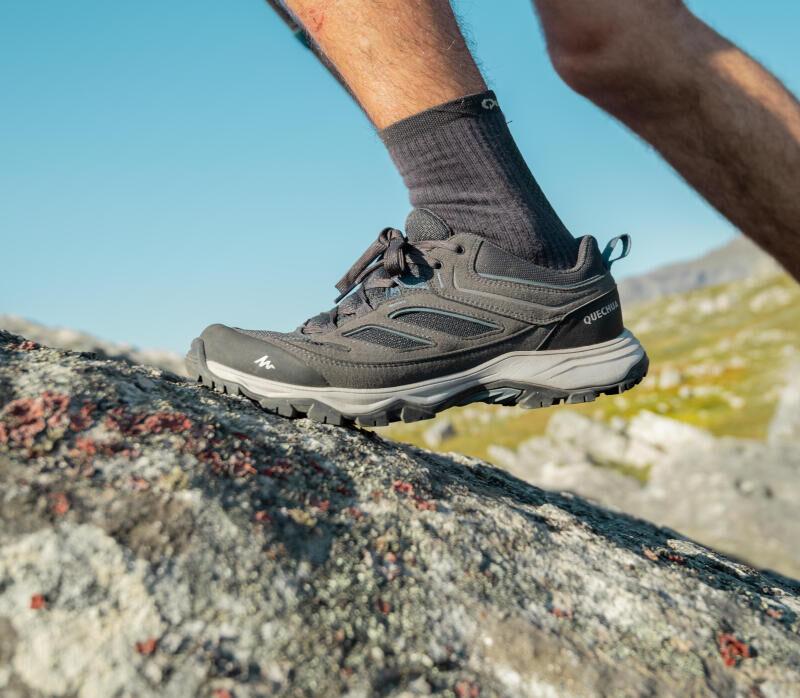 how-to-choose-hiking-trekking-footwear-MH100-waterproof