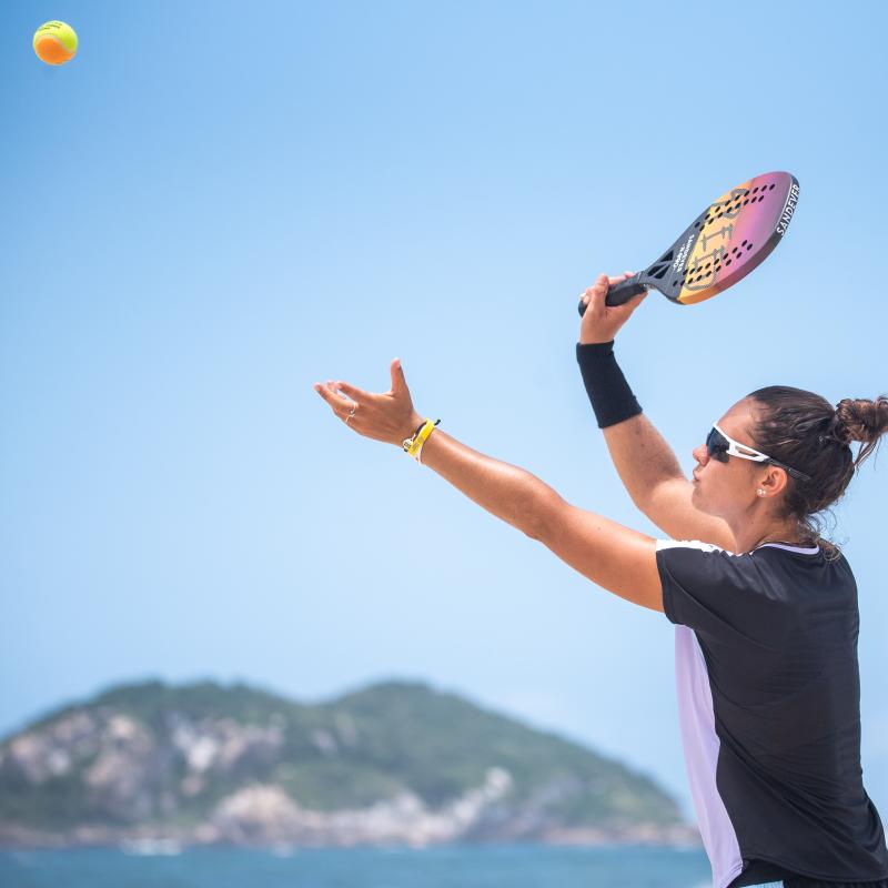 beach_tennis_rackets_background