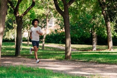 PLAYERA DE RUNNING HOMBRE RUN DRY + BEIGE jaspeado