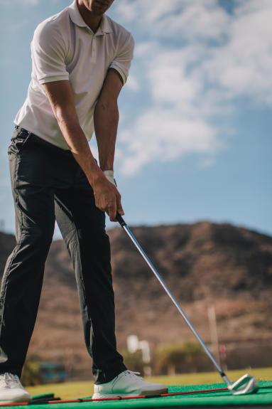 golf-practice-swing
